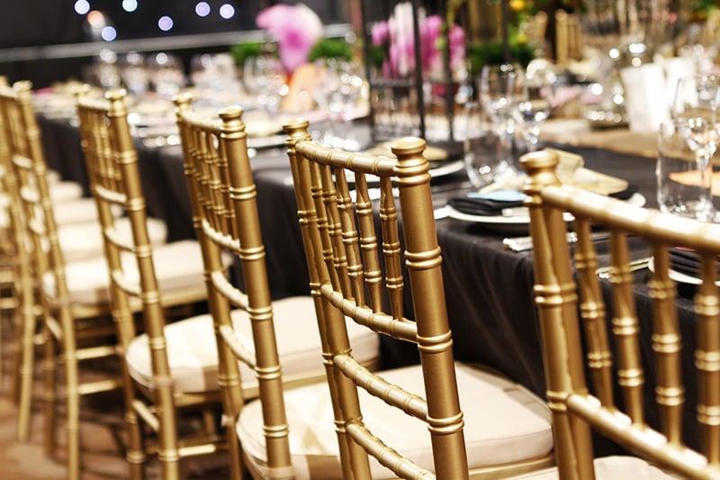 servicio de montaje sillas y mesas